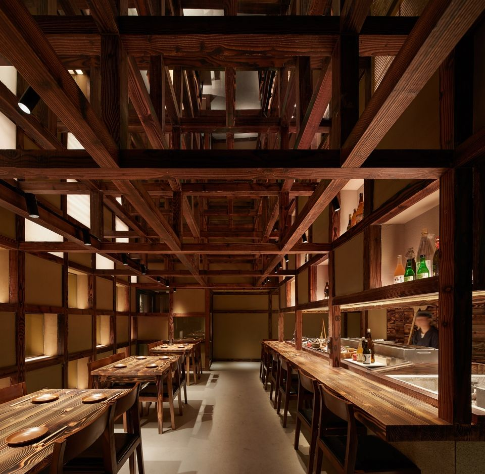 两种风格拼合而成的餐厅,成都炉端烧源六+会席尺八 | 堤由匡建筑设计工作室|堤由匡建筑设计工作室 - 2