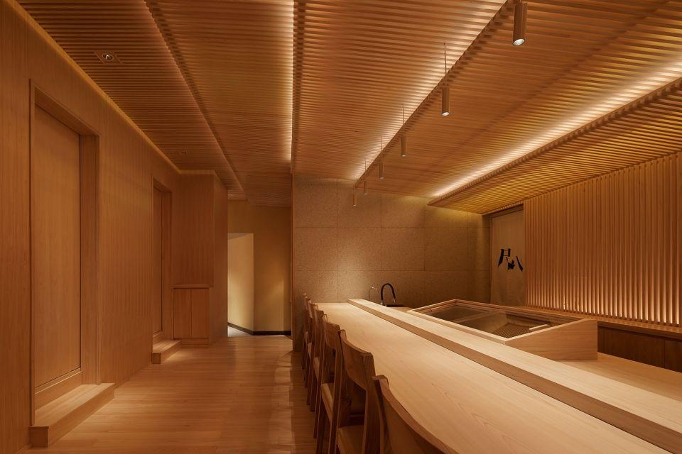 两种风格拼合而成的餐厅,成都炉端烧源六+会席尺八 | 堤由匡建筑设计工作室|堤由匡建筑设计工作室 - 1