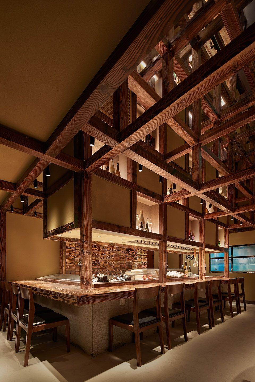 两种风格拼合而成的餐厅,成都炉端烧源六+会席尺八 | 堤由匡建筑设计工作室|堤由匡建筑设计工作室 - 3