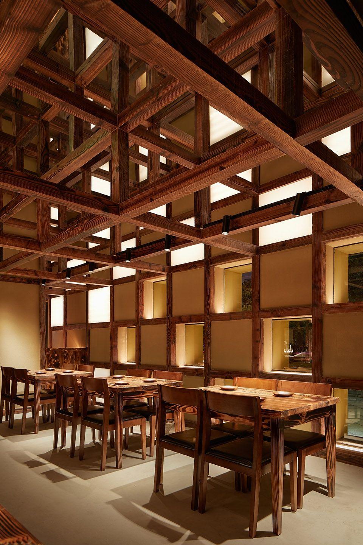 两种风格拼合而成的餐厅,成都炉端烧源六+会席尺八 | 堤由匡建筑设计工作室|堤由匡建筑设计工作室 - 4