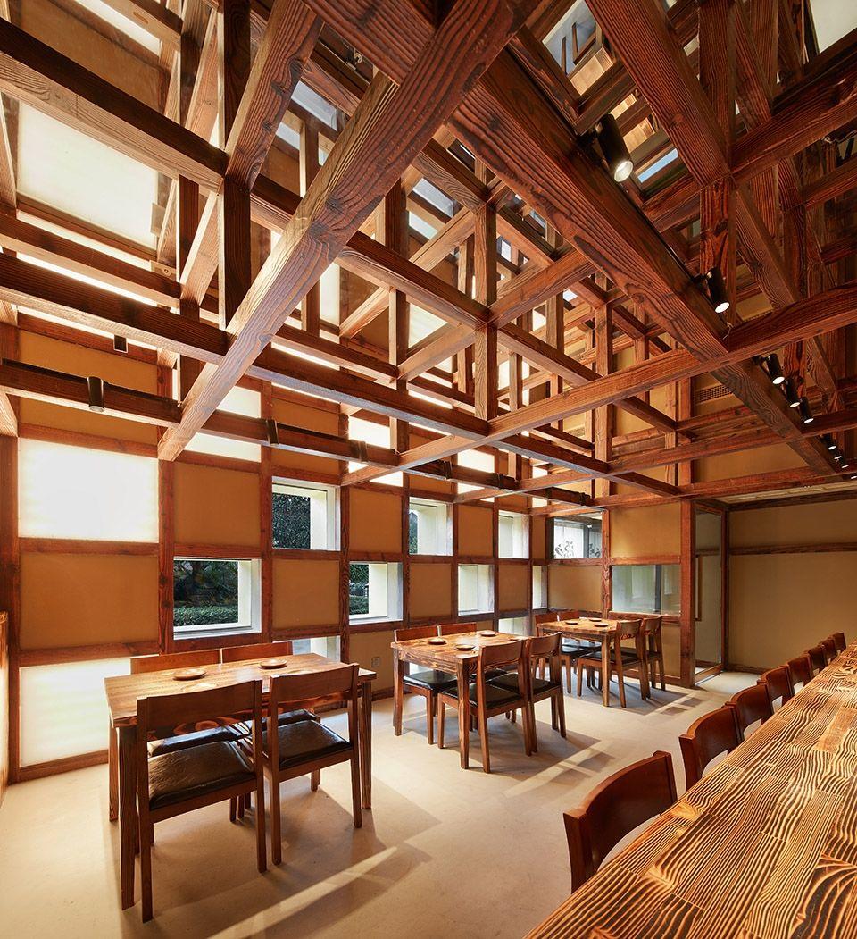 两种风格拼合而成的餐厅,成都炉端烧源六+会席尺八 | 堤由匡建筑设计工作室|堤由匡建筑设计工作室 - 6