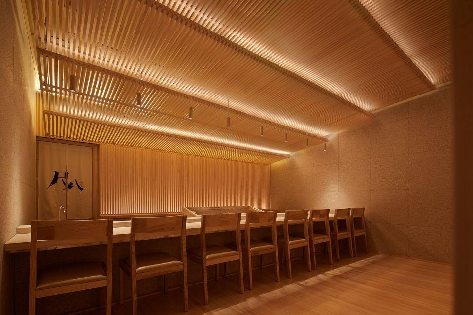 两种风格拼合而成的餐厅,成都炉端烧源六+会席尺八 | 堤由匡建筑设计工作室|堤由匡建筑设计工作室 - 9