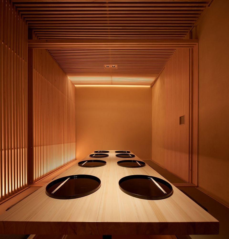 两种风格拼合而成的餐厅,成都炉端烧源六+会席尺八 | 堤由匡建筑设计工作室|堤由匡建筑设计工作室 - 15