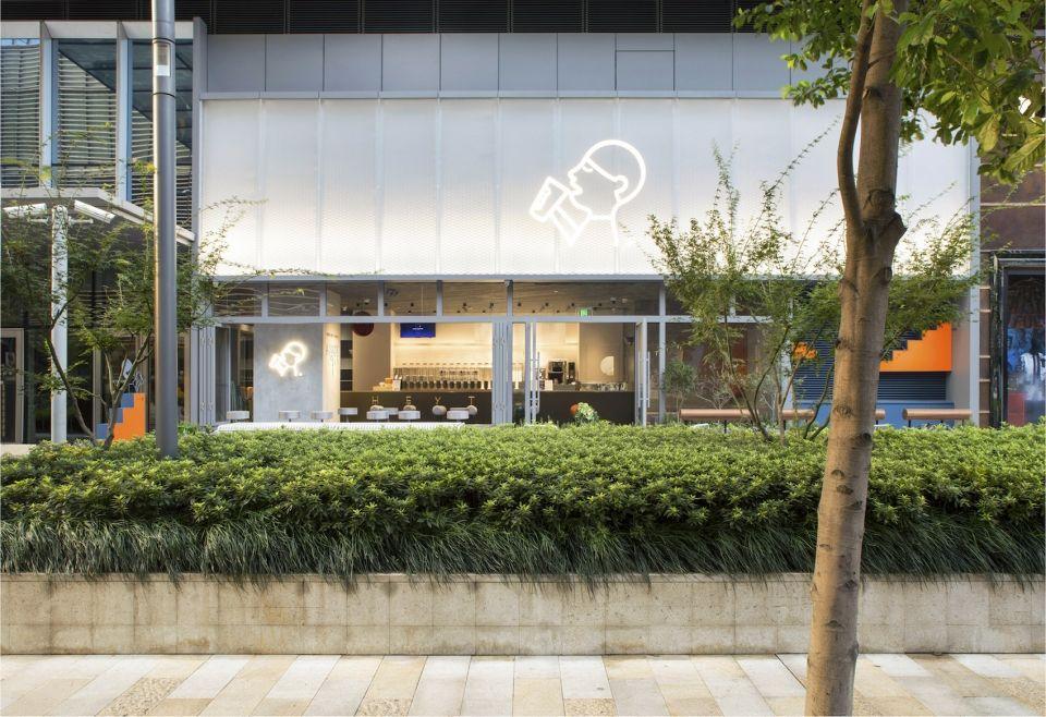 激活城市界面的玩味空间,上海喜茶静安嘉里中心店   nota建筑设计工作室