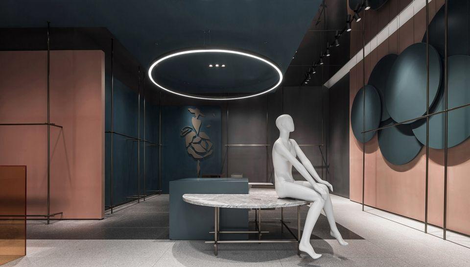 既能无言又能诉说的空间,东莞CARMEN·言色女装店   壹席设计事务所