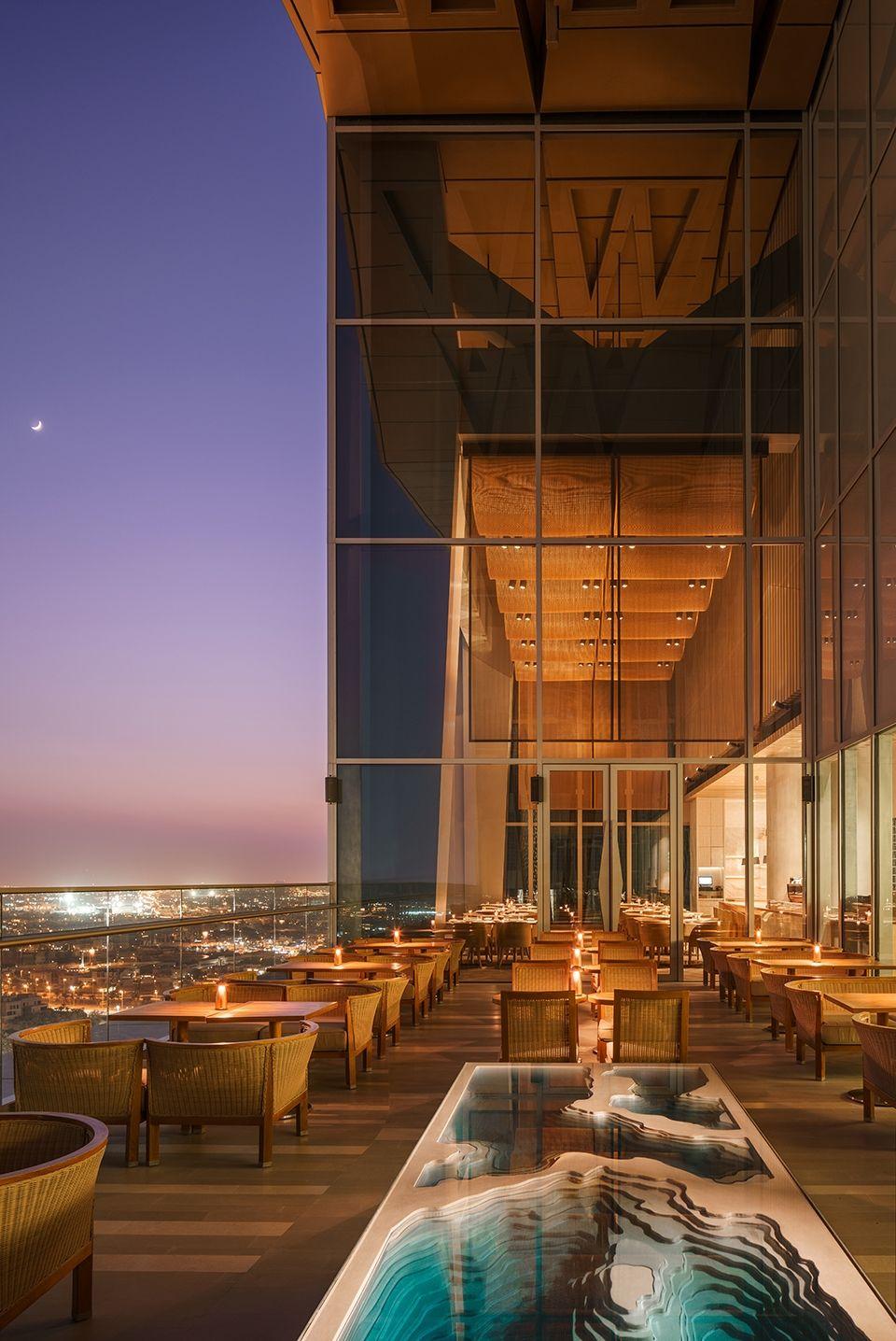 在科威特上空体验意大利南部美食,科威特四季酒店Dai Forni餐厅 | Kokaistudios