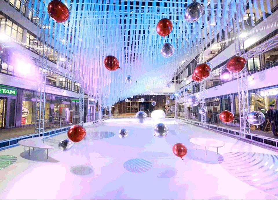香港飘浮圣诞展亭,随风晃动的气球组成另类城市风景   AaaM建筑设计工作室
