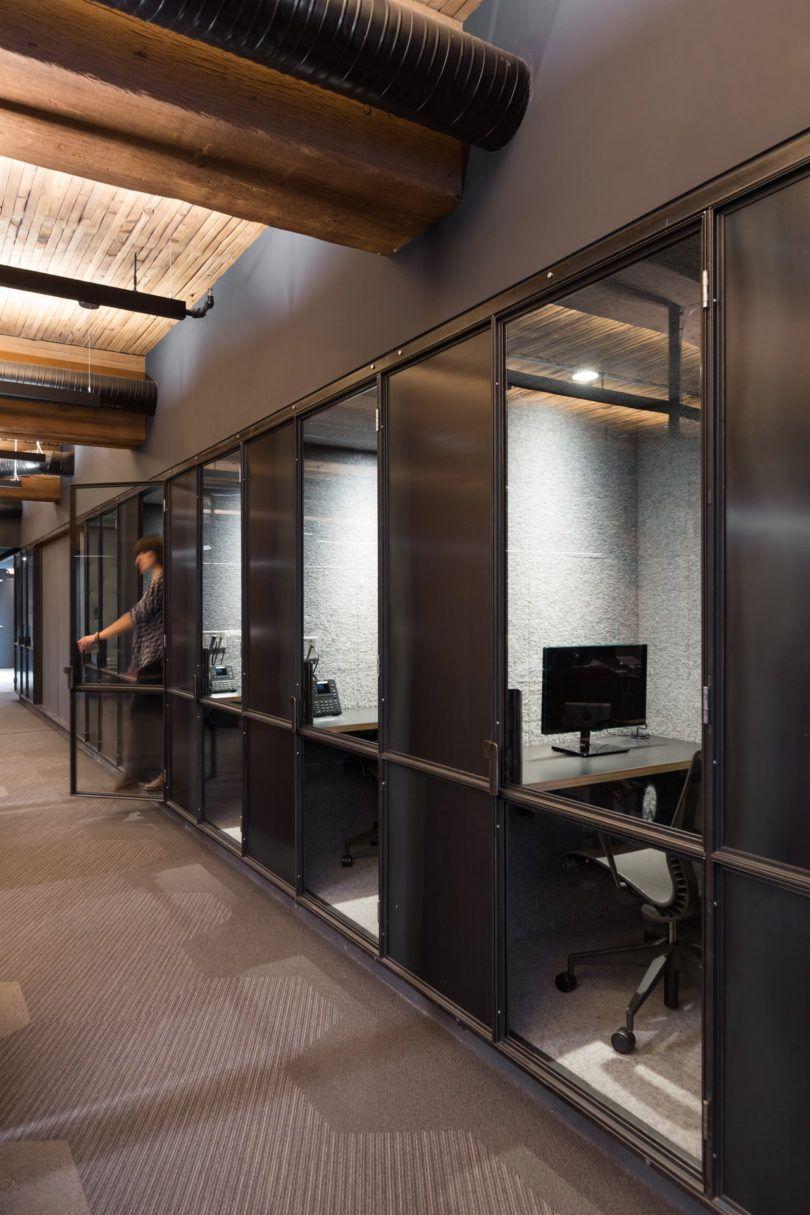 温哥华这个通信软件公司总部有一面巨大的有机绿墙
