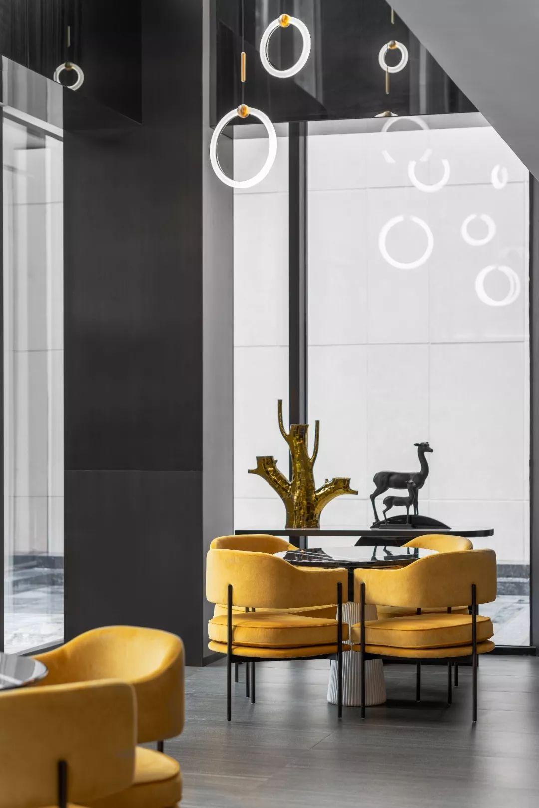 简约、精致、奢华,诠释当代高尚生活品质!| 李益中空间设计