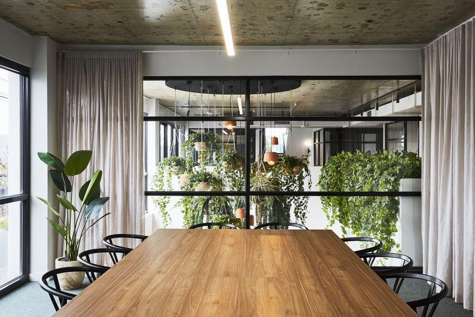 营造能够激发合作与创造力的氛围,墨尔本Carman's食品公司新总部   Ewert Leaf