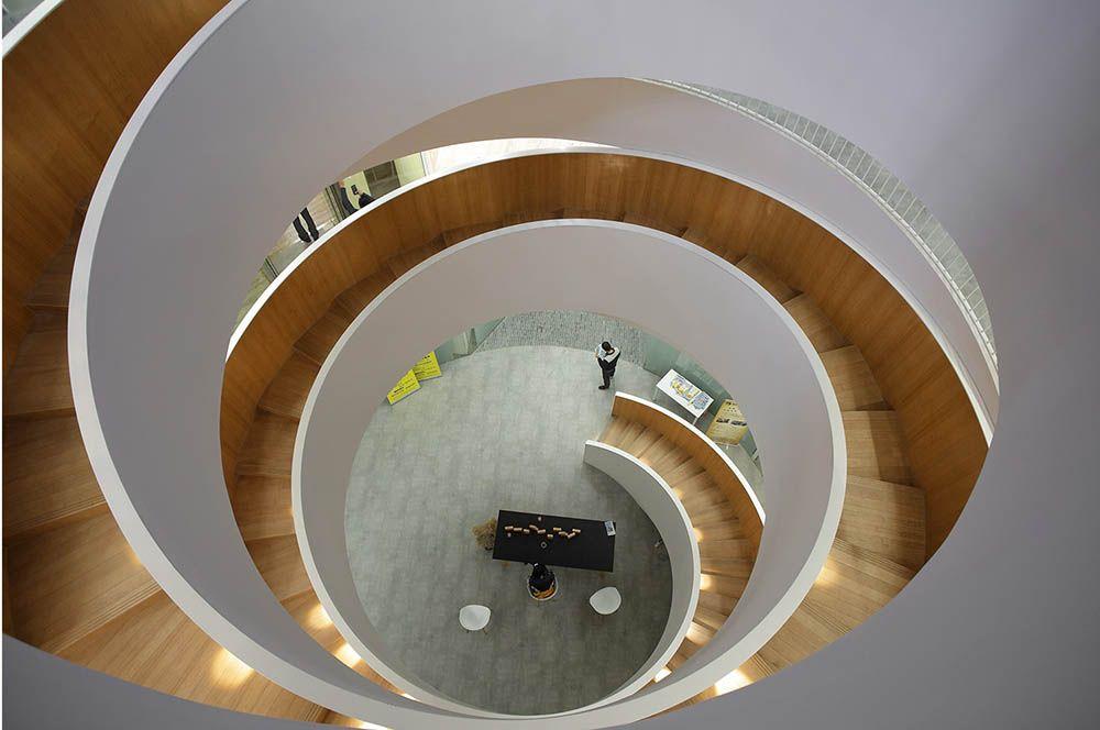 建筑改造之上海静安和成大楼改造创新办公和商业综合体