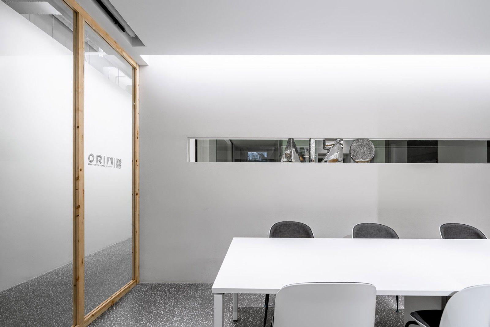 上海华山路ORIA办公室 / 上海和睿规划建筑设计有限公司