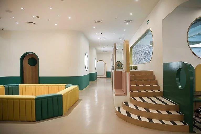 这样的亲子游泳馆丨没有孩子也能在里面泡一天