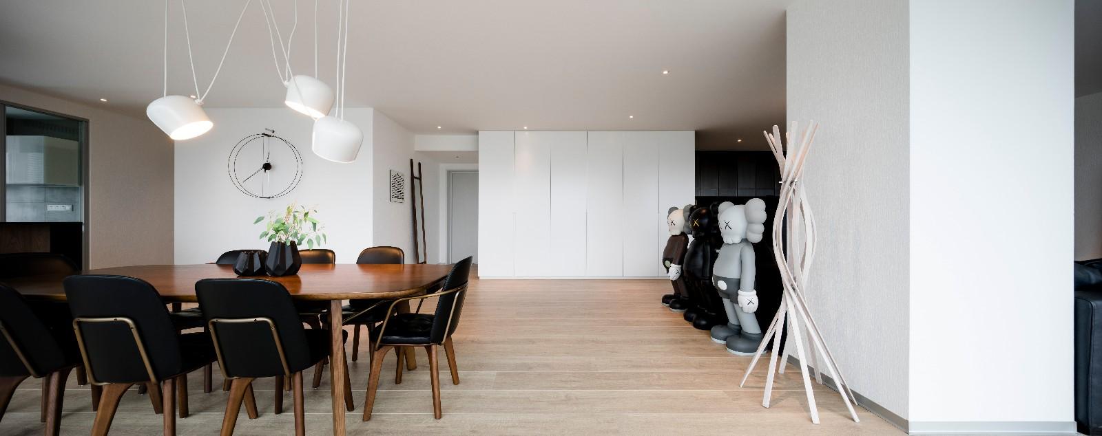 方磊新作 | 有趣的住宅,KAWS玩偶让视觉感翻倍!