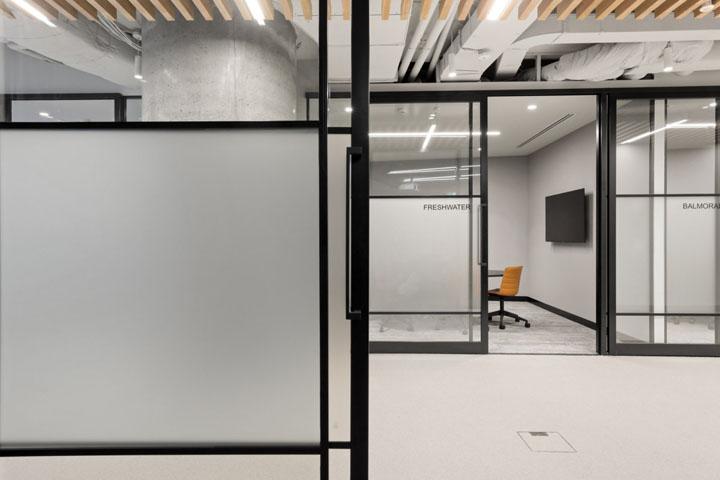 优雅轻奢 企业金融服务商总部设计|Valmont - 3
