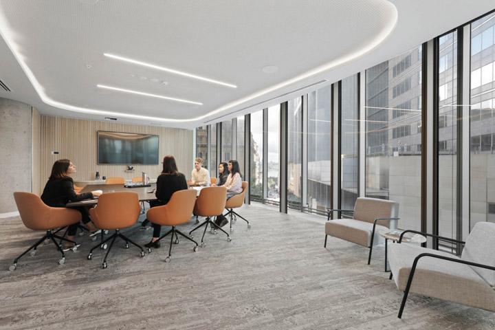 优雅轻奢 企业金融服务商总部设计|Valmont - 12