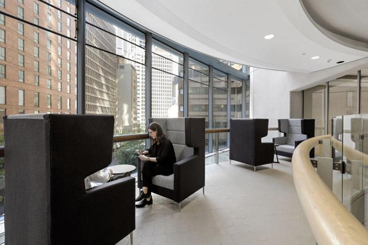 优雅轻奢 企业金融服务商总部设计|Valmont - 11