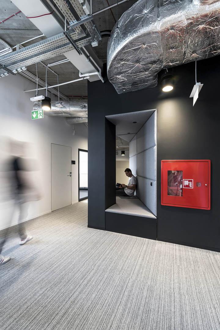 波兰自由之家品牌VOX波兹南总部办公室设计 Bidermann+Wide - 8