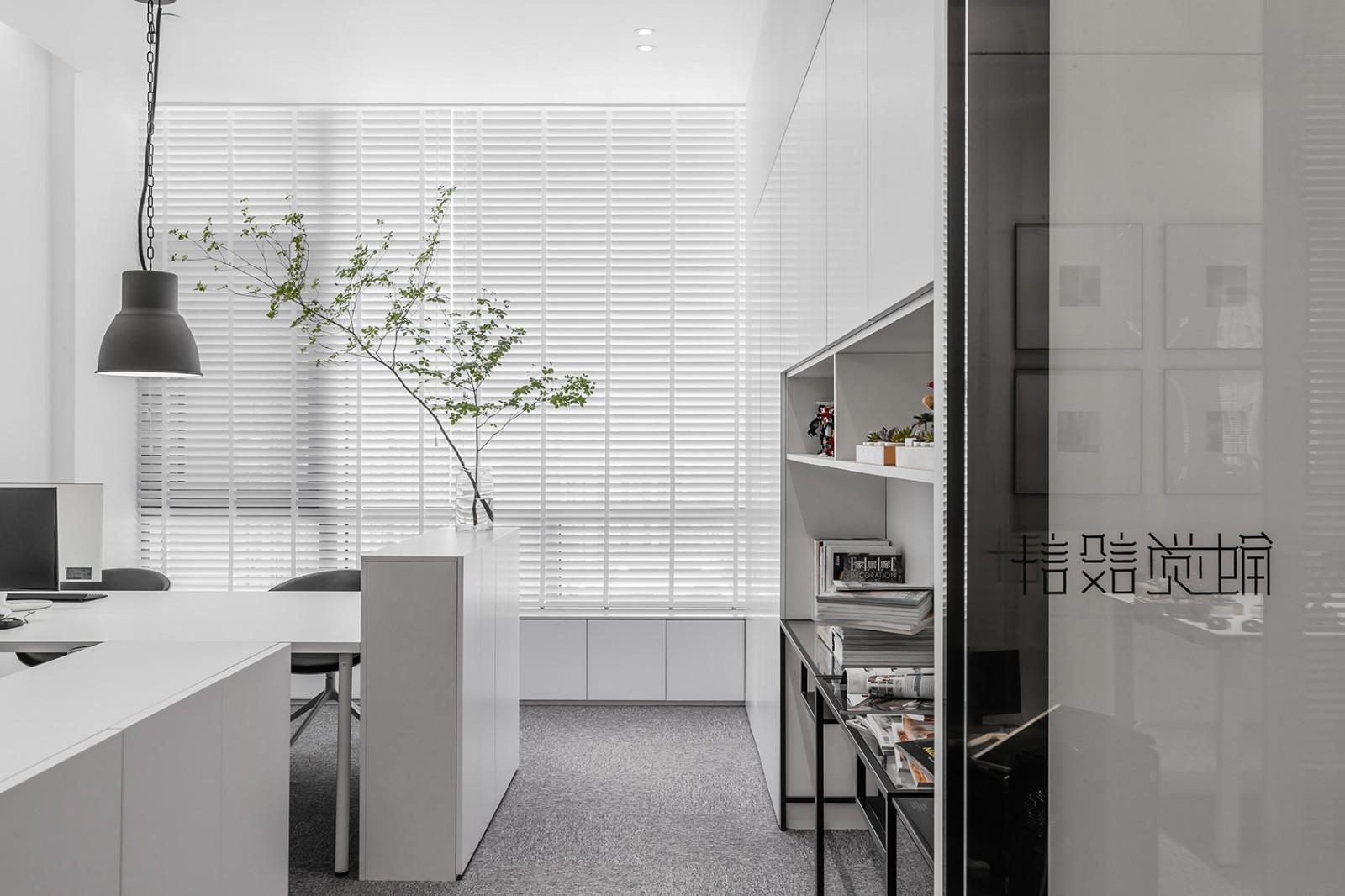 办公室设计,让极简不失调性|张勇、马鑫 - 6