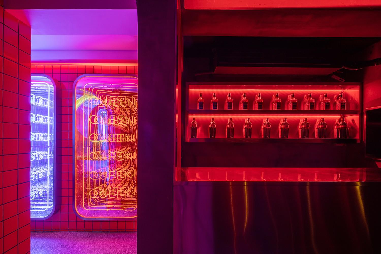 夜里的另一个世界:MOLLY CLUB酒吧