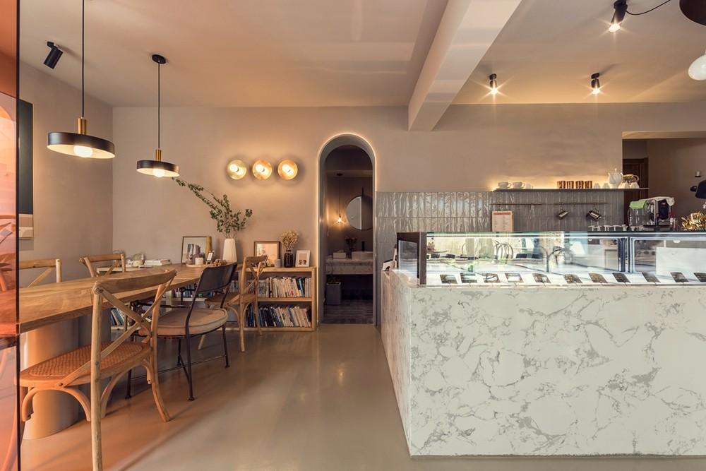 不华丽却很明亮的甜品店 | 有田建筑空间设计