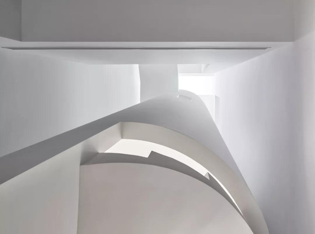 唯美现代主义别墅,白色的优雅与极致| - 16