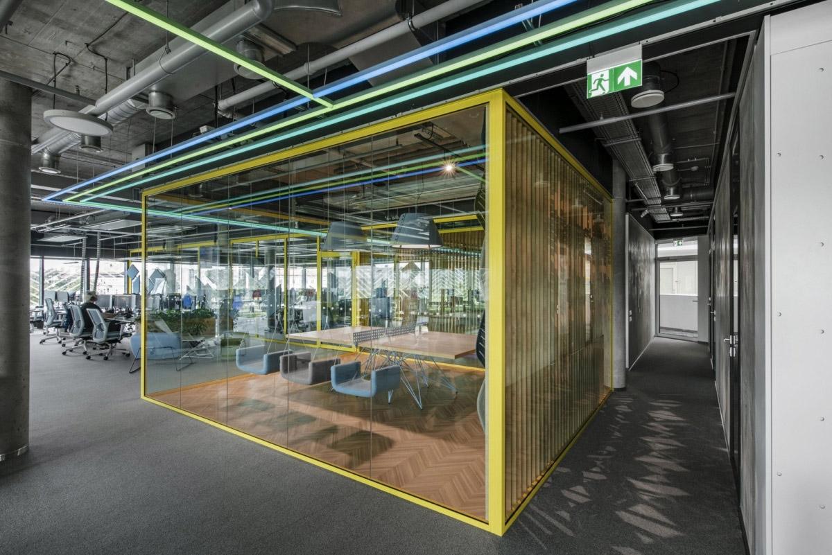 800㎡办公空间设计,精通空间布局,诠释工作态度|LAVA studio - 14