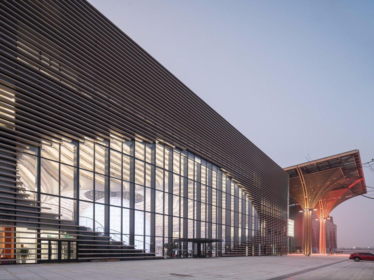 天津市滨海新区文化中心图书馆欣赏