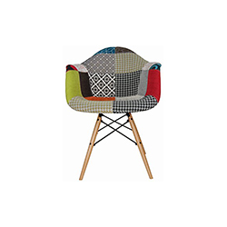 伊姆斯®花布扶手椅 Eames® Upholstered Armchair 赫曼米勒