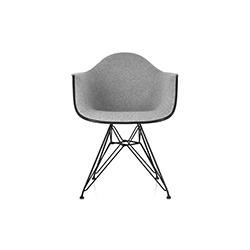 伊姆斯®软垫扶手椅 Eames® Upholstered Armchair 赫曼米勒 herman miller品牌 Charles & Ray Eames 设计师