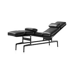 伊姆斯躺椅 Eames Chaise 赫曼米勒 herman miller品牌 Charles & Ray Eames 设计师