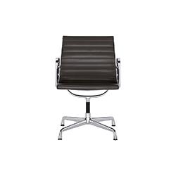 EA 104 会议椅 EA 104 Aluminium Chair 维特拉