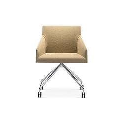 Saari 餐椅/会议椅 Saari 列沃勒·阿尔瑟尔·莫利纳 Lievore Altherr Molina