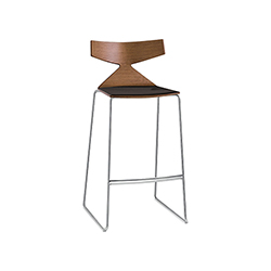 Saya 吧椅 Saya arper arper品牌 Lievore Altherr Molina 设计师