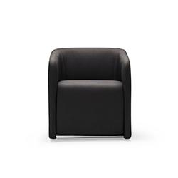 软垫面料安乐椅 QUATRO 何塞·马丁内斯·梅迪纳 Jose Martinez Medina