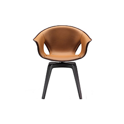 姜椅 lazzeroni ginger chair poltrona frau poltrona frau品牌 Roberto Lazzeroni 设计师