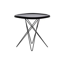 比萨茶几 pizza table 马吉斯 magis品牌 Naoto Fukasawa 设计师