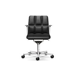 LEADCHAIR EXECUTIVE职员椅 LEADCHAIR EXECUTIVE 万德诺 WALTER KNOLL品牌 EOOS 设计师