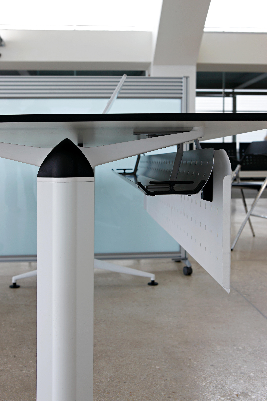 TRAMA 行政桌系列